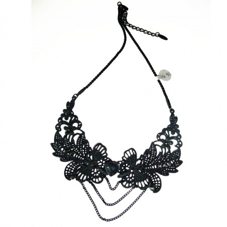 Black metal necklace with chains